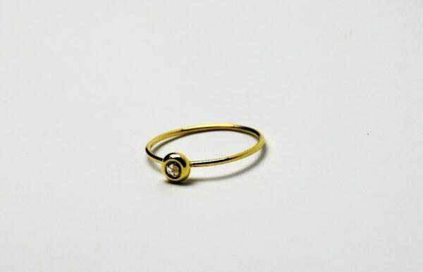 Roos geslepen diamant ring