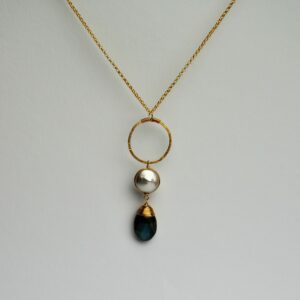 Wouters collier pearl circle and labradorite