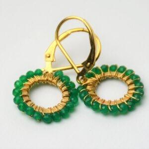 Oorsieraad met groene onyx in cirkel